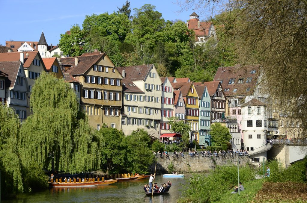 Tübingen Stocherkahn Neckar Fachwerkhäuser