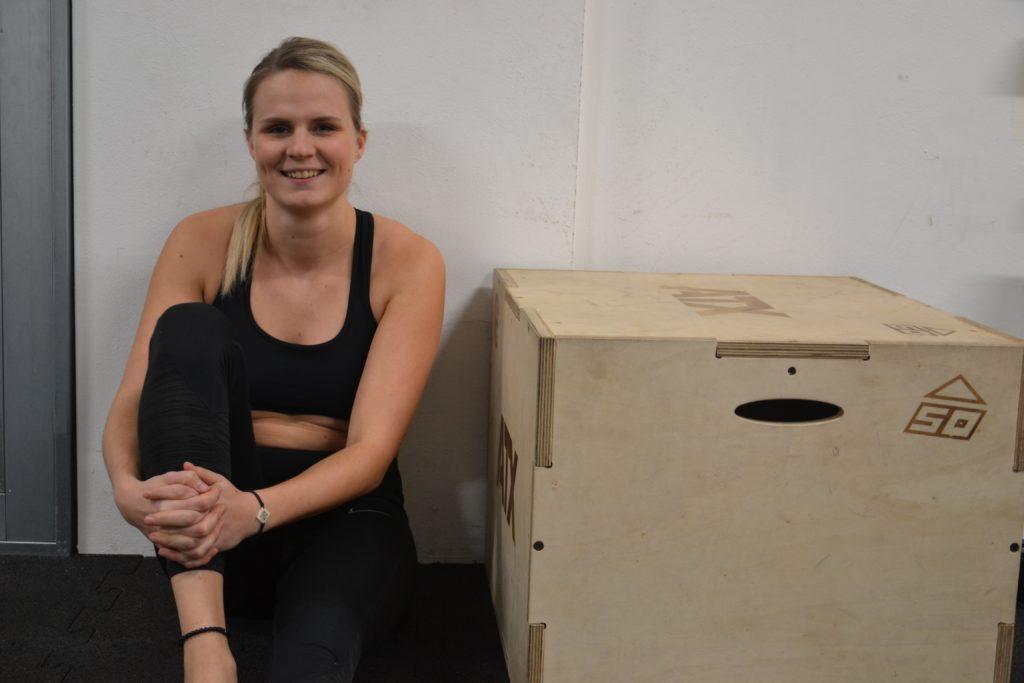 Sportwissenschaftlerin, Sporttherapeutin (i.A.) und Ernährungsberaterin